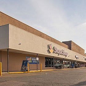 MG FITNESS / MIKE'S GYM RENEWS 15,000 SF LEASE AT MEDFORD'S STOP & SHOP PLAZA